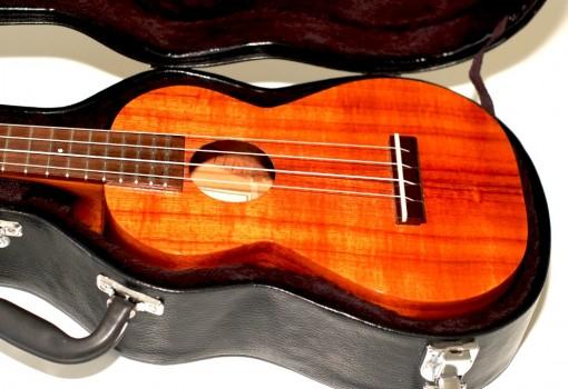 Kamaka Koa Concert HF-2 Ukulele Original Case Open