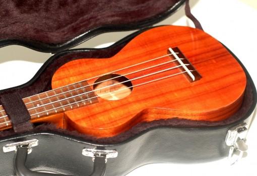 Kamaka Koa Concert HF-2 Ukulele Original Case Open 1